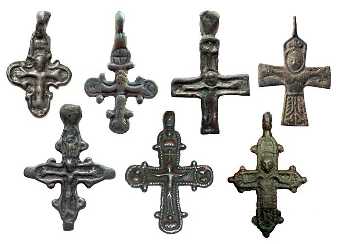 Древнерусские нательные кресты с изображением Распятия, XI-XIII вв
