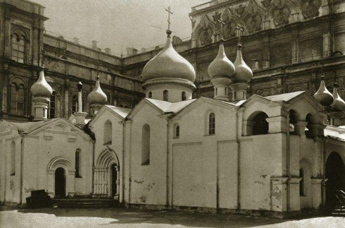 Собор Спаса на Бору, известный с 1330 г. и снесенный в 1933 г.