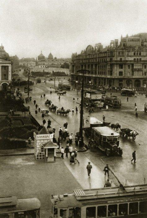 Площадь Большого театра.