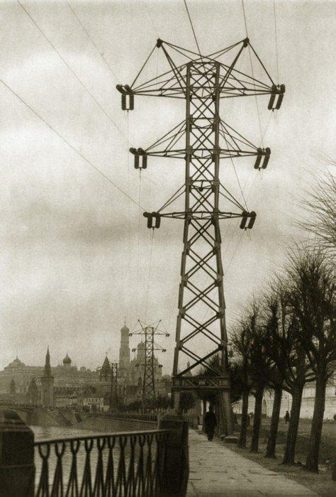 Линии электро-передачи возле Кремля