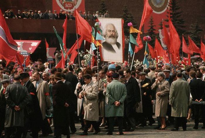 1964 год, Москва. Демонстрация на Красной площади.