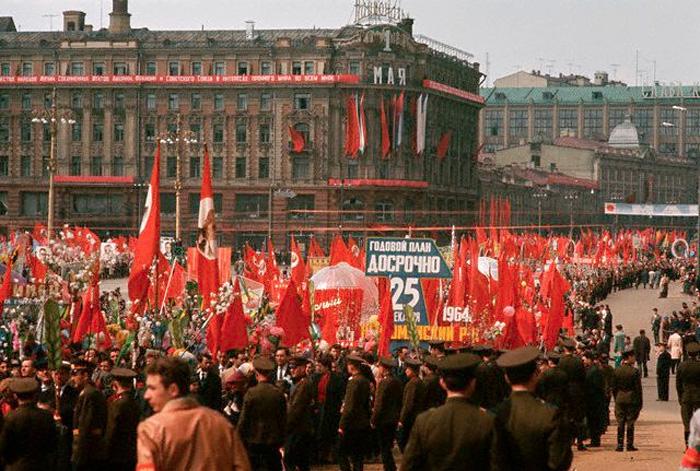 1964 год. Москва. Демонстрация.