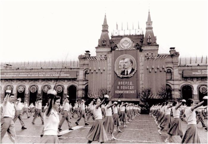 Парад на Красной Площади, 1955 год.
