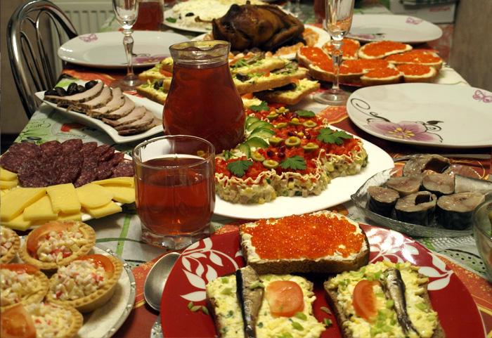 Русские всегда готовят еды больше, чем нужно.