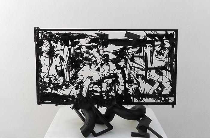 Конструкция из металлических обломков, воссоздающая «Гернику» Пабло Пикассо