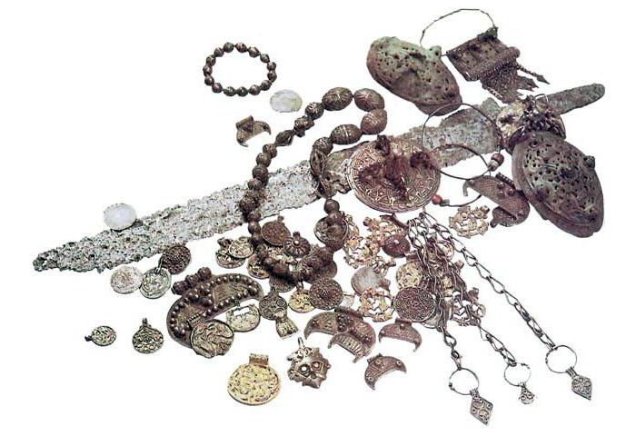 Клад викингов, найденный на берегу Днепра. X - XI вв.