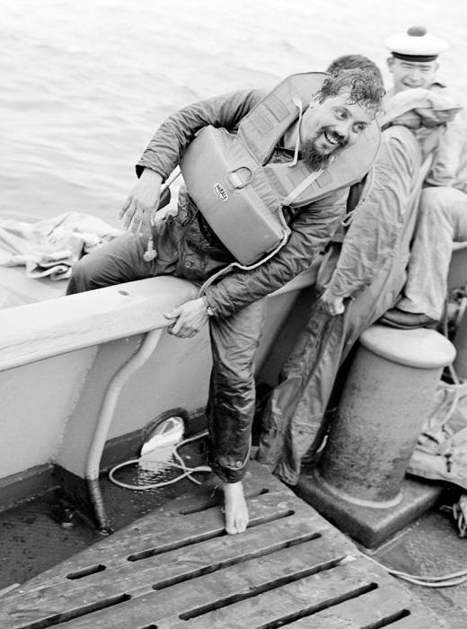 Ален Бомбар - первый человек, пересекший Атлантический океан на резиновой лодке