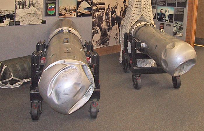 Теперь поврежденные оболочки двух бомб представлены в Национальном атомном музее в Альбукерке