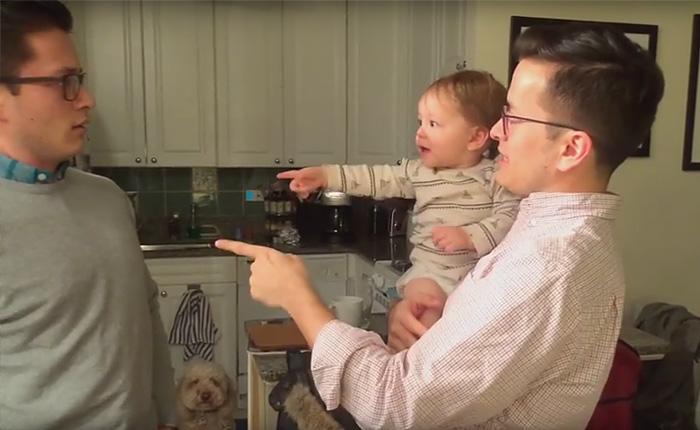 Что случилось с малышом, когда он увидел папу и его близнеце одновременно.
