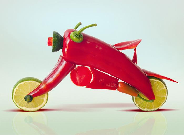 Мотоперцы - мотоцикл из перцев чили от Dan Cretu.