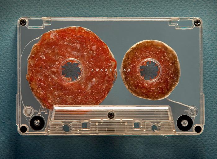 Съедобная кассетная пленка от художника Dan Cretu.