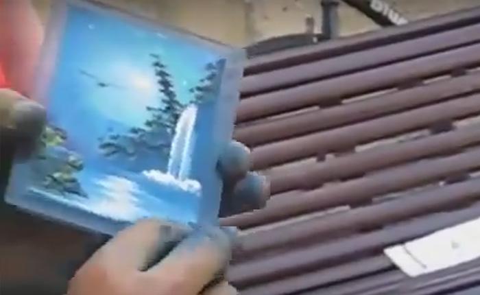 Уличное шоу: миниатюра пальцами по стеклу за 3 минуты.