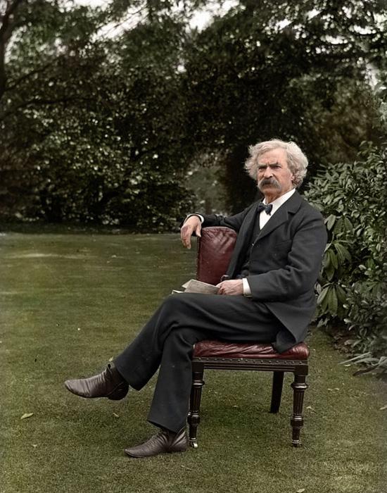 Марк Твен в саду.