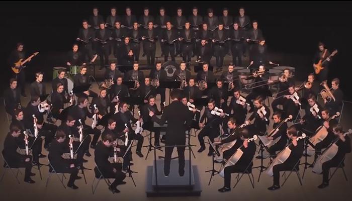 Оркестр, состоящий из 1 музыканта.