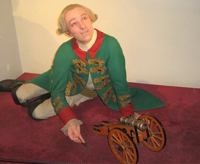 Пётр III - любитель игрушечных солдатиков. Санкт-Петербургский Музей Восковых Фигур.