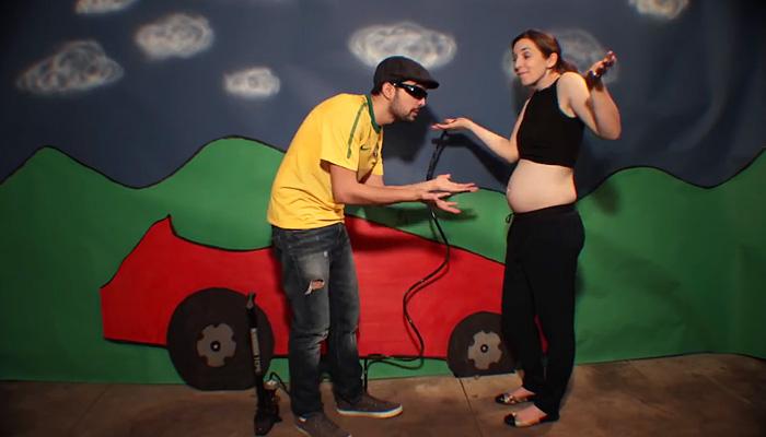 Юмористическое таймлапс видео про беременность и появление малыша.
