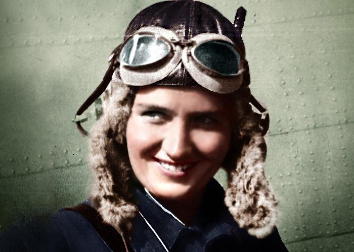 Лётчица-героиня Марина Раскова