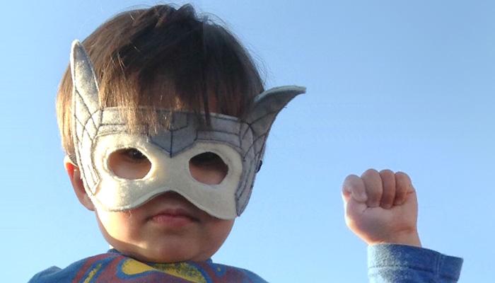 Ребенок-супергерой.