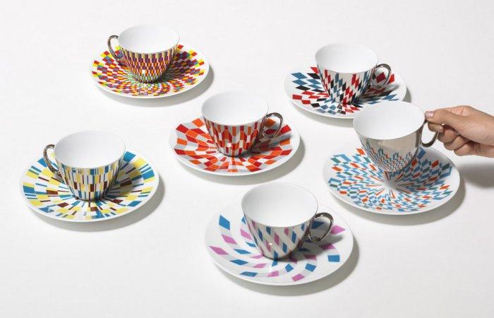 Чашка+блюдце - необычный фарфоровый набор.