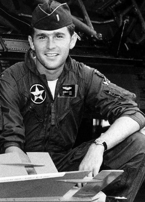 Американский политик-республиканец, 43-й президент США, губернатор штата Техас.