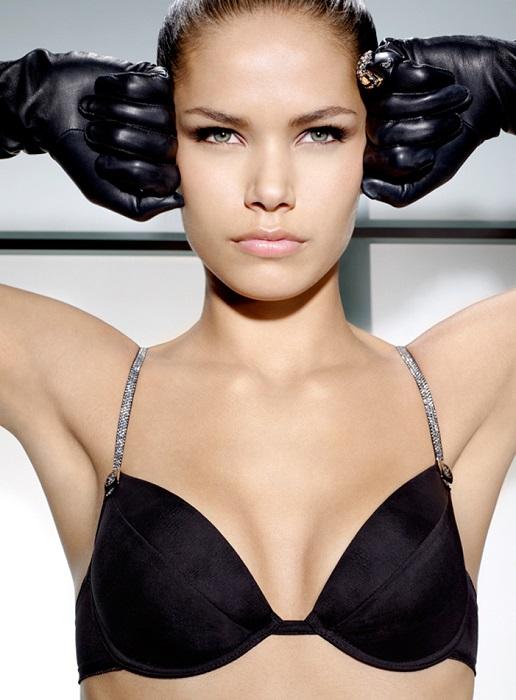 Девушка из Перми с экзотической внешностью начала свою модельную карьеру с 14-летнего возраста.
