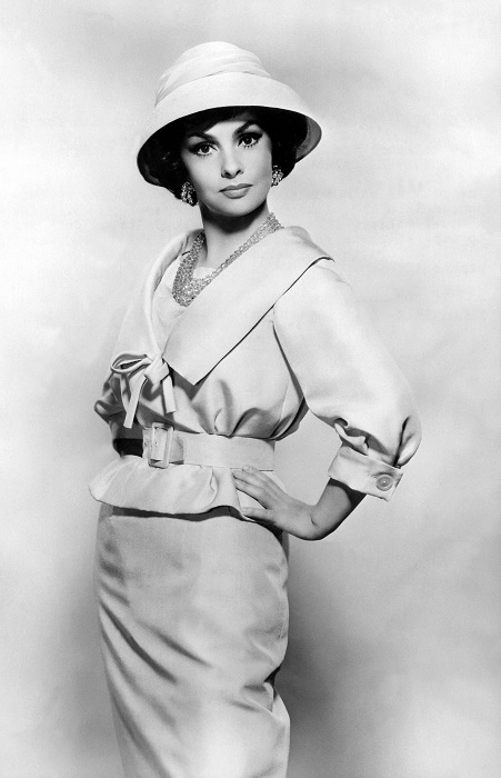 Итальянская киноактриса, признана самой красивой женщиной в мире, имеет на своем счету более ста работ в кинокартинах. /Фото: nevsepic.com.ua