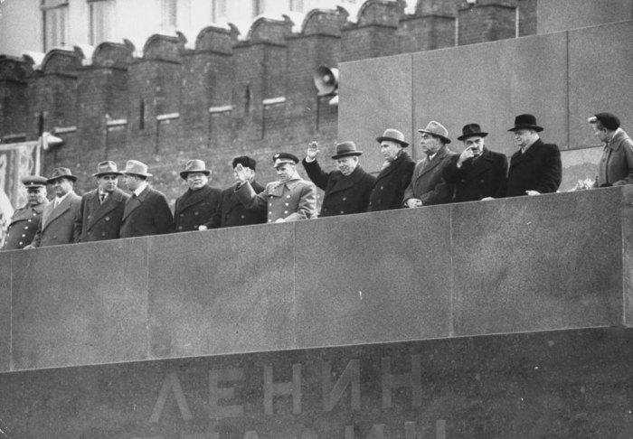 Юрий Гагарин на Красной площади в Москве, 1961 год. | Фото: liveinternet.ru.