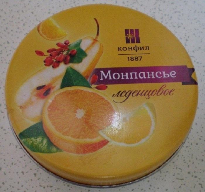 Фруктовые разноцветные маленькие леденцы в жестяных коробочках были сделаны из карамелизированного сахара с фруктовыми вкусами и считались чуть ли не самой популярной сладостью в Советском Союзе.