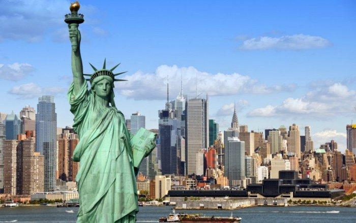 Уникальный и неповторимый, но один из самых дорогих городов мира.
