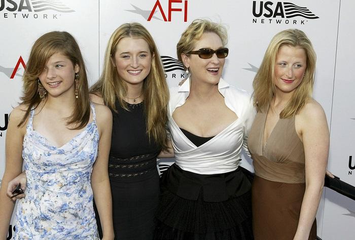 Мерил Стрип родила четвертую дочку Луизу Джекобсон Гаммер, когда ей было почти 42 года. /Фото: zondnews.ru
