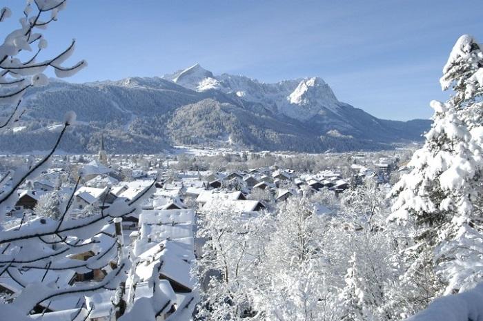 Популярный фешенебельный горнолыжный курорт Германии.