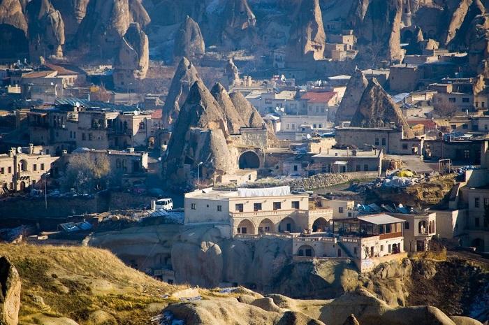 Невелике село, розташована в центральній частині Туреччини.