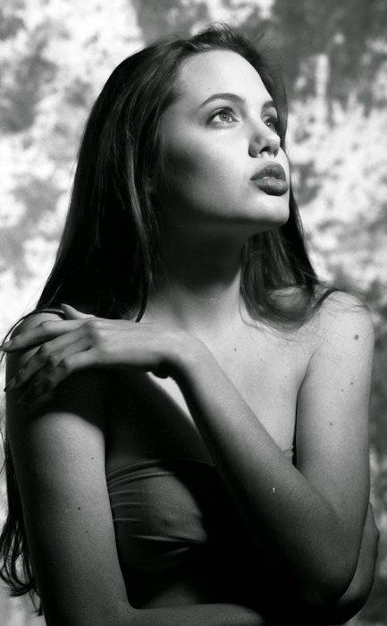 Губы — визитная карточка начинающей актрисы.