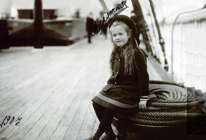 Великая княжна Мария Николаевна на борту императорской яхты «Штандарт», 1907 год.
