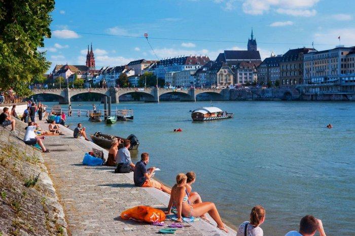 Замечательное, но дорогостоящее пребывание в Цюрихе стоит того, чтобы посетить живописные места города.
