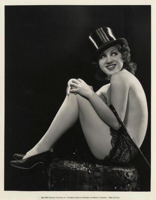Популярная американская киноактриса эпохи 1930-1940-х годов.