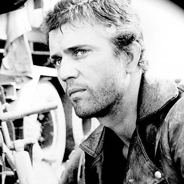 Австралийский и американский актёр, режиссёр, сценарист и продюсер.