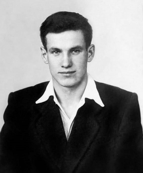 Советский партийный, российский политический и государственный деятель, первый президент Российской Федерации.