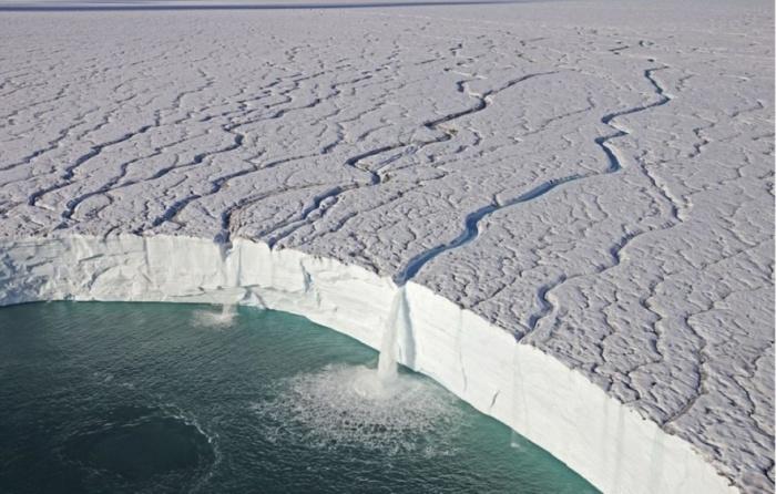 Удивительный мир бело-голубых айсбергов, хрустальных водопадов, ледников и фьордов.