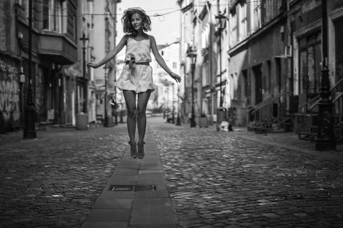 На седьмом небе от счастья. Фотограф - Ilinca Pop.