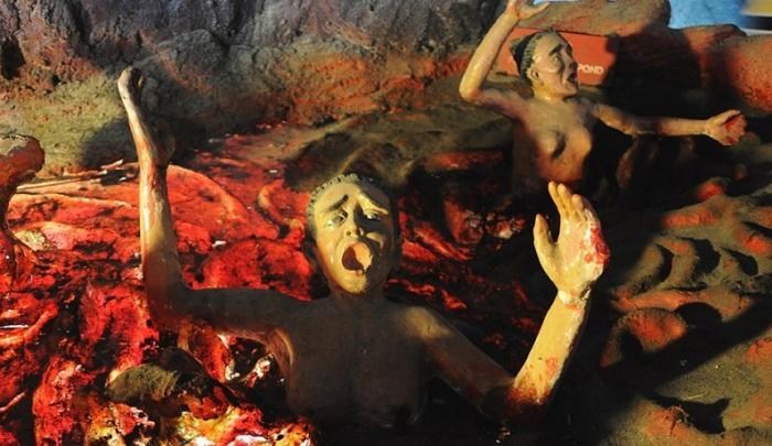 Необычный семейный парк Хо Пар Вилла  показывает ужаснейшие пытки в аду.