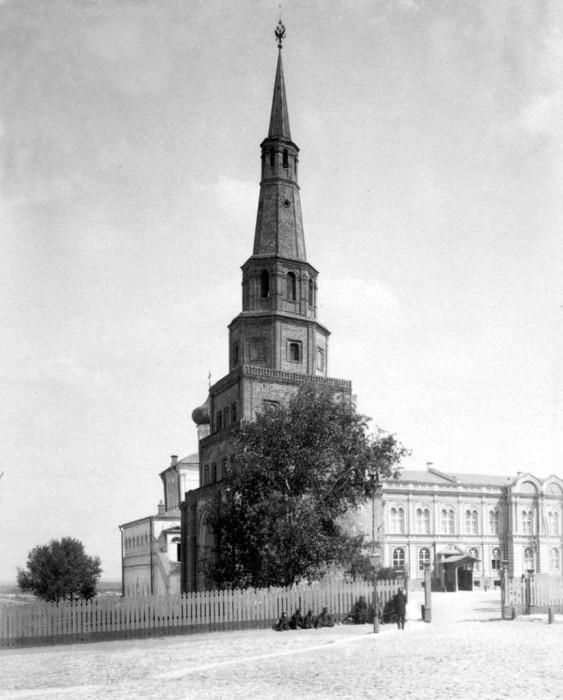 Архитектурный символ Казани, широко известен далеко за пределами Татарстана.