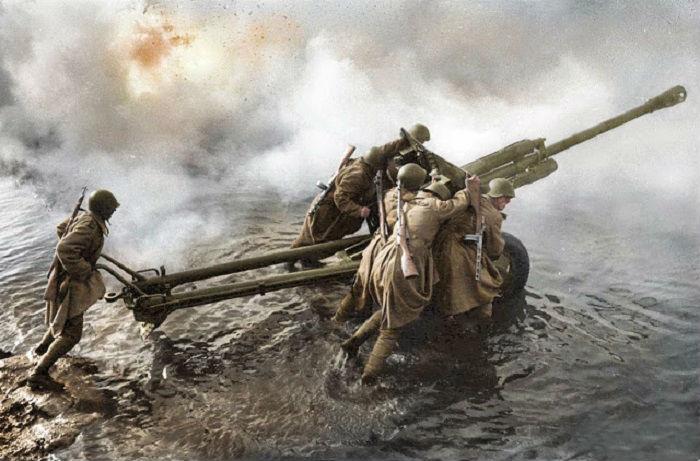 Раскрашенные фотографии Второй мировой войны.