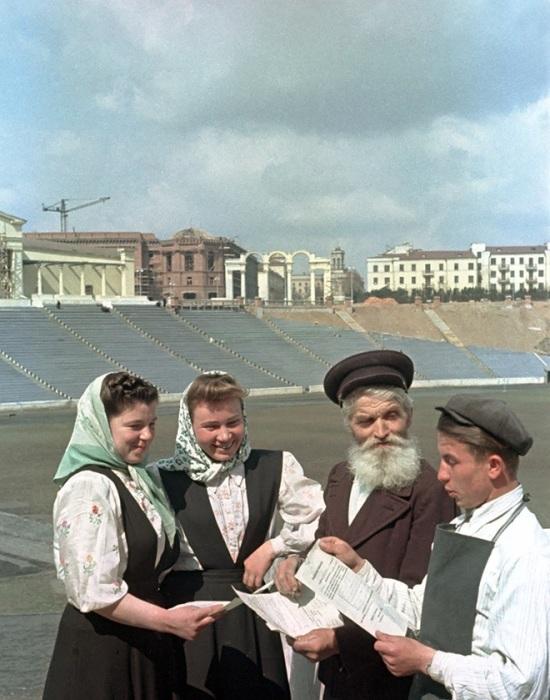 Восстановление спортивного комплекса, пострадавшего во время войны, длилось с 1946 по 1954 год.