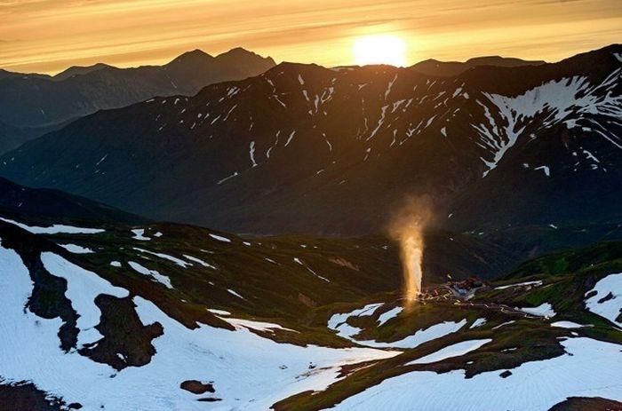 Крупнейшая геотермальная электростанция России, расположенная в Камчатском крае.