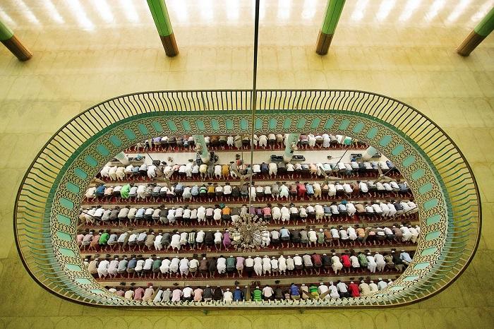 Почетной премией награжден автор снимка – фотограф Форхад Камалы (Forhad Kamaly) из Бангладеш.