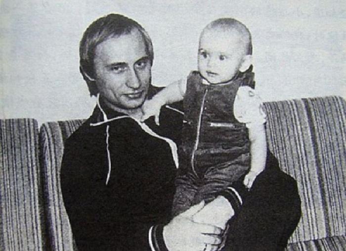 Российский государственный и политический деятель, действующий Президент России.