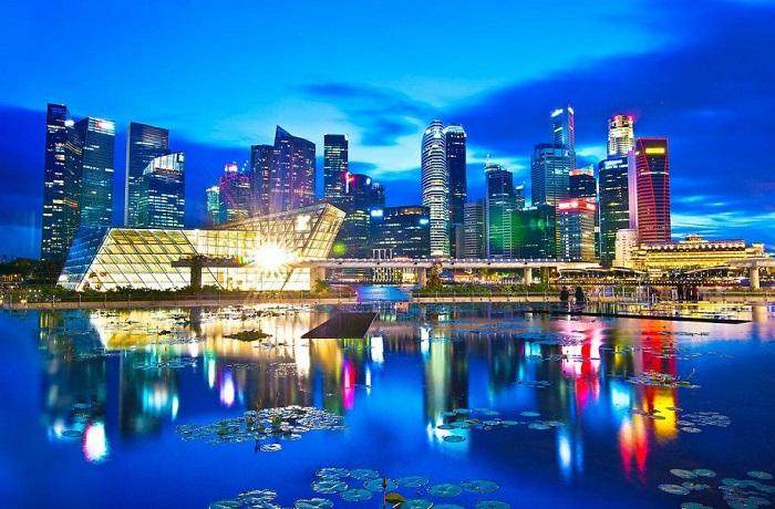 Город-государство, который буквально источает атмосферу богатства и роскоши.