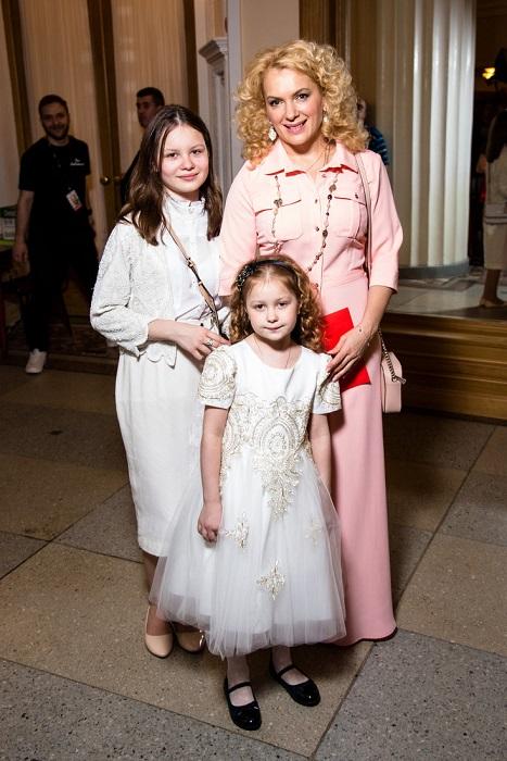 В 44 года актриса готовится стать мамой в 5 раз. /Фото: teleprogramma.pro
