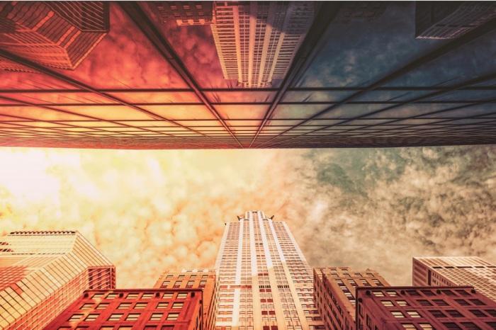 То ли небо в окнах, то ли окна в небе.